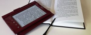 להוציא לאור ספר בהוצאה עצמית – האותיות הקטנות.